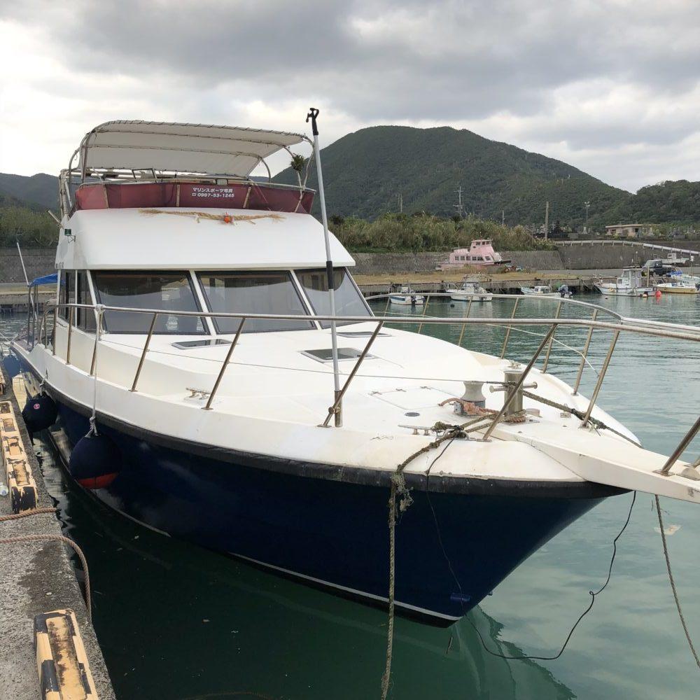 マリンスポーツ奄美のツアー船